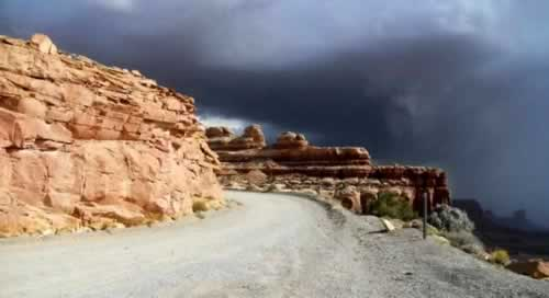 Weather can change on the Moki Dugway ... here a cloudy, stormy day
