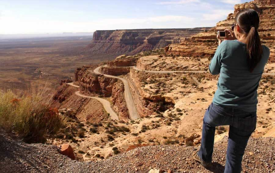 One of the incredible photography moments along the Moki Dugway